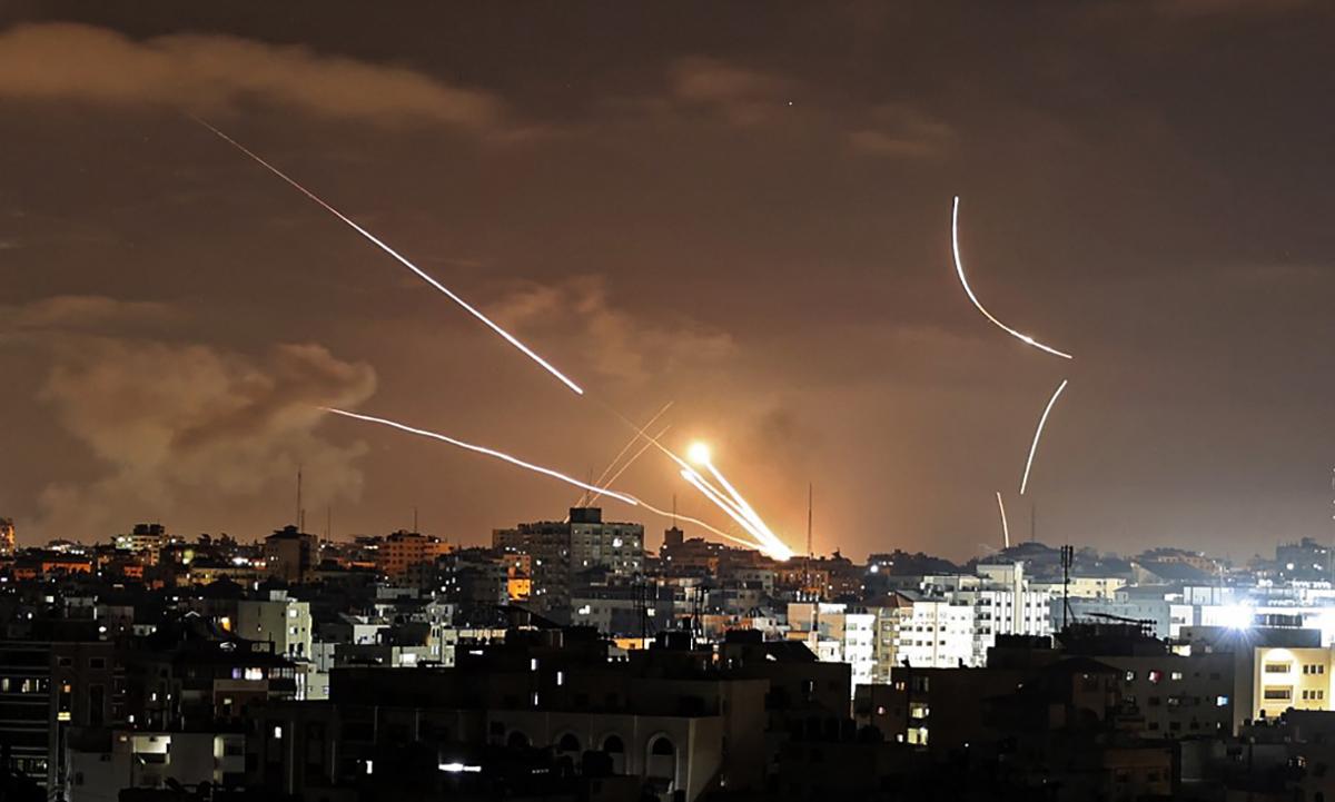 Rocket phóng nhằm vào lãnh thổ Israel trong đợt tập kích của Hamas ngày 12/5. Ảnh: AFP.
