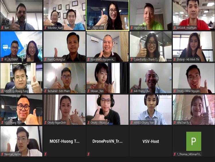 Đại diện các nhóm tham dự chia sẻ thông tin qua hệ thống trực tuyến ngày 12/4. Ảnh: VSV.