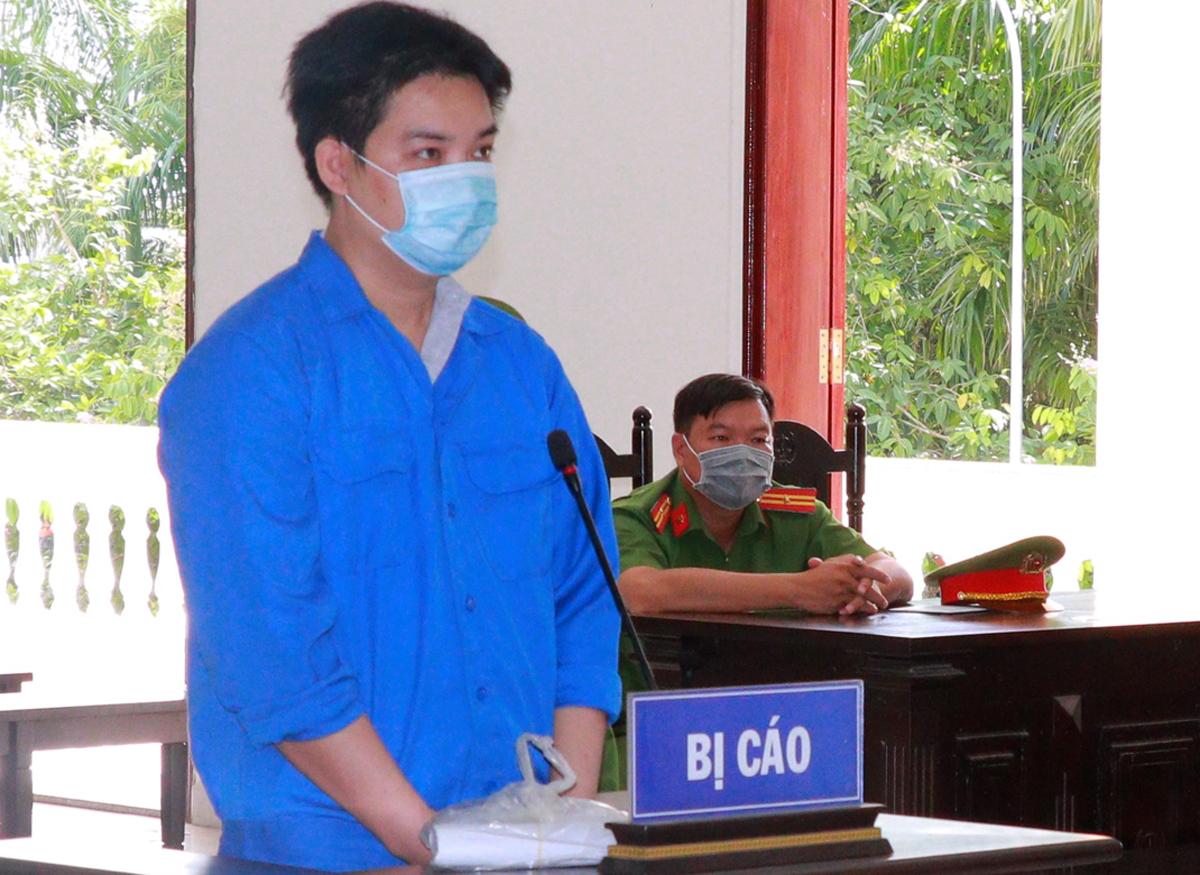 Nguyễn Minh Chí tại tòa hôm nay. Ảnh: Ái Bình.
