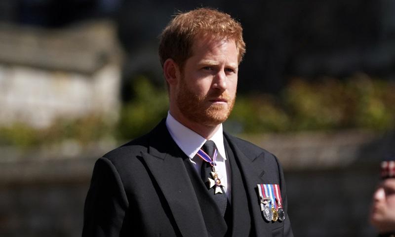 Hoàng tử Anh Harry tại lâu đài Windsor khi về Anh chịu tang Hoàng thân Philip tháng trước. Ảnh: Reuters.