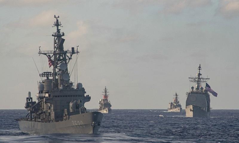 Tàu chiến Mỹ - Nhật tham gia tập trận hàng hải chung hồi tháng 2. Ảnh: Hạm đội Thái Bình Dương Mỹ.