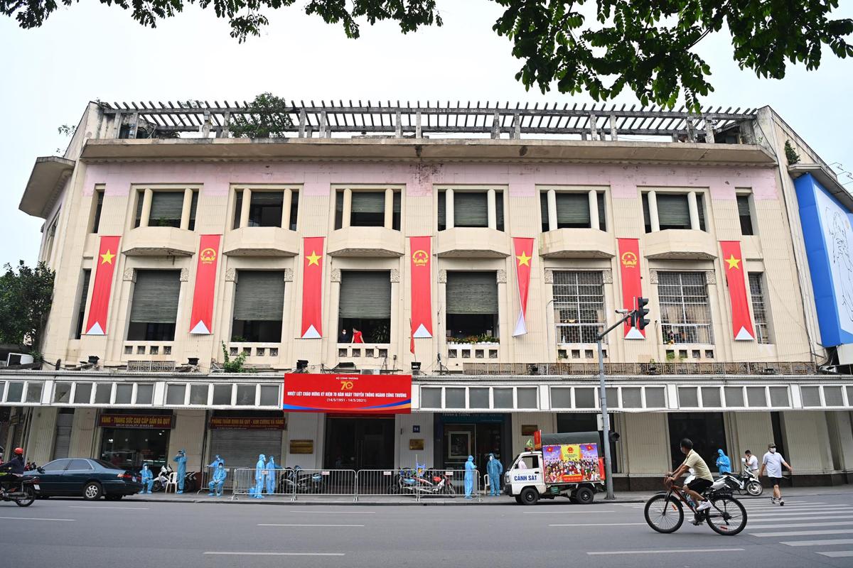 Toà nhà 89 - 91 Đinh Tiên Hoàng bị cách ly từ chiều 12/5 là nơi ông Thanh từng đến họp. Ảnh: Giang Huy.