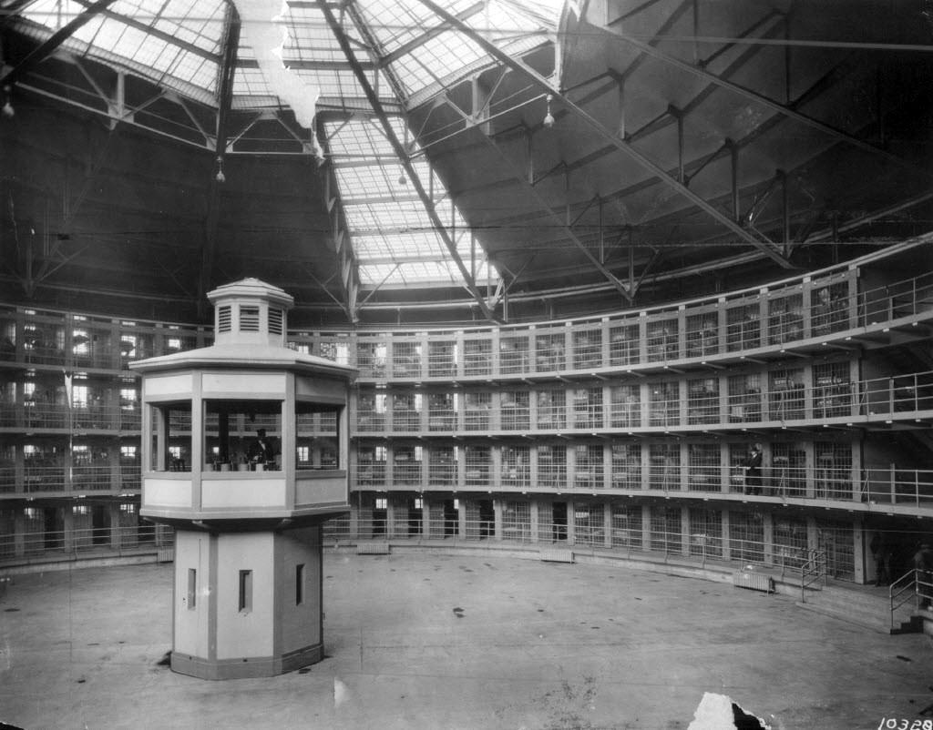 Nhà tù Stateville, nơi Joe và Ted chấp hành án. Ảnh: Chicagology