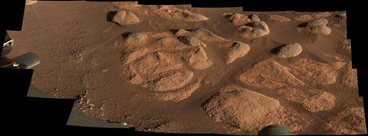 Camera kép Mastcam-Z chụp cận cảnh những tảng đá sao Hỏa ở Jezero. Ảnh: NASA.