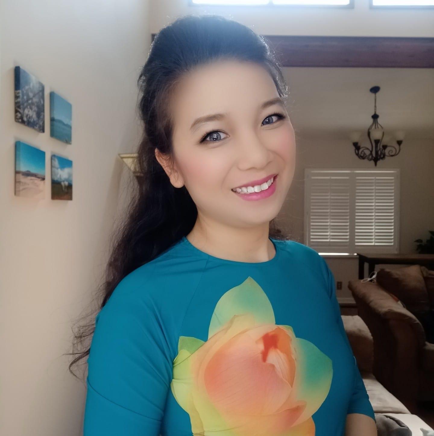 Thu Trang hiện bảo vệ luận án tiến sĩ ngành chuỗi cung ứng tại Đại học Tennessee (Knoxville), Mỹ. Ảnh: NVCC.