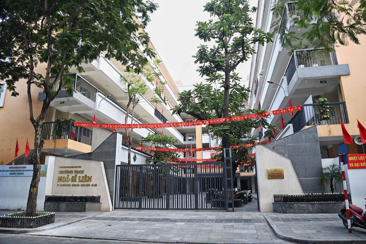 Trường THCS Ngô Sĩ Liên, Hà Nội, dừng dạy học tập trung từ sau đợt nghĩ lễ 30/4 đến nay. Ảnh: Giang Huy.