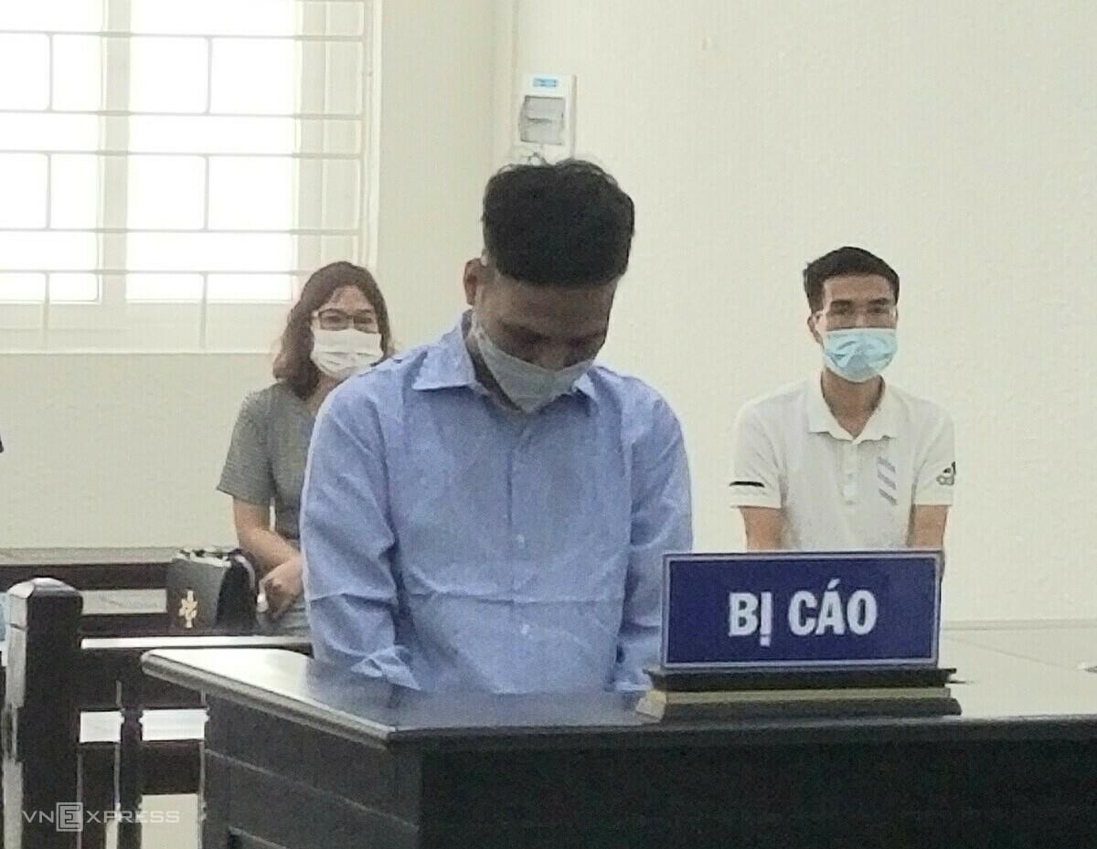 Bị cáo Dũng trong phiên xét xử sáng 10/5, Ảnh: Hải Thư