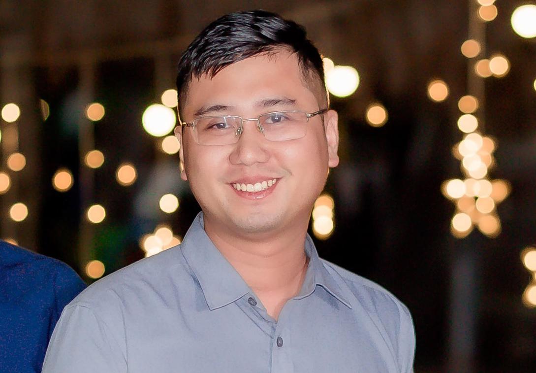 Thầy Trần Thế Hùng từng bỏ dở Đại học Y Hà Nội để theo học Sư phạm Toán. Ảnh: Nhân vật cung cấp.