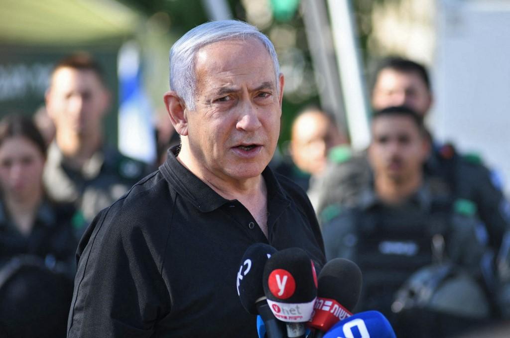 Thủ tướng Israel  Benjamin Netanyahu phát biểu trong cuộc gặp gỡ cảnh sát biên phòng Israel tại thành phố Lod, gần Tel Aviv, hôm 13/5. Ảnh: AFP.
