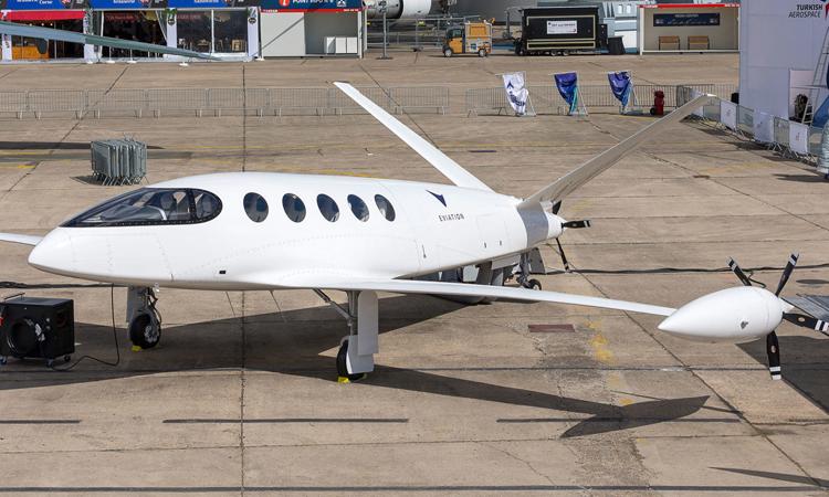 Máy bay điện Alice với đuôi chữ V lớn. Ảnh: Jean-Marie Liot/Eviation.