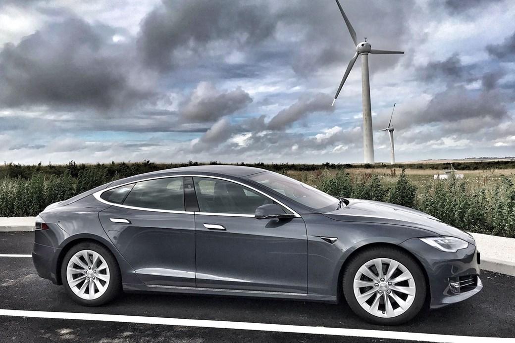 Những mẫu ôtô điện 7 chỗ đáng mua nhất - 3