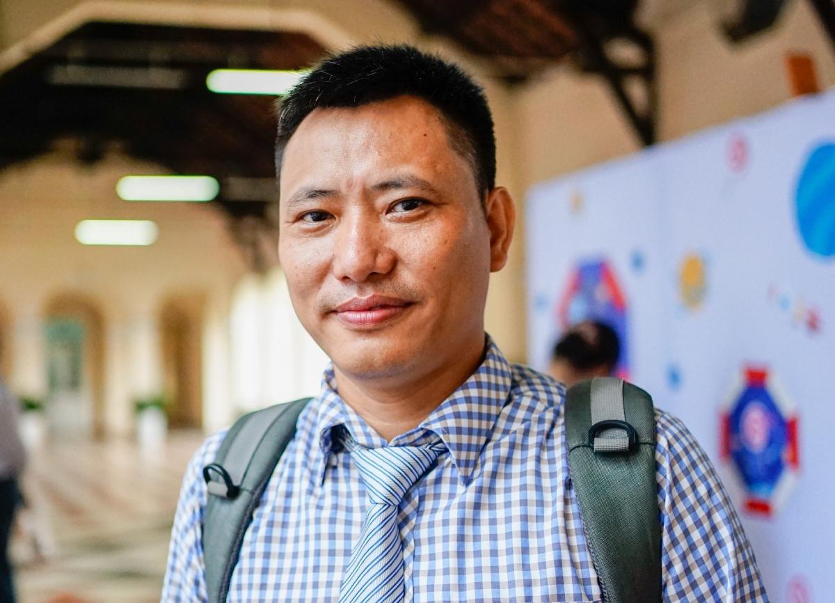 Thầy Lê Thịnh, giáo viên Vật lý, trường THPT chuyên Lê Hồng Phong. Ảnh: Nhân vật cung cấp.