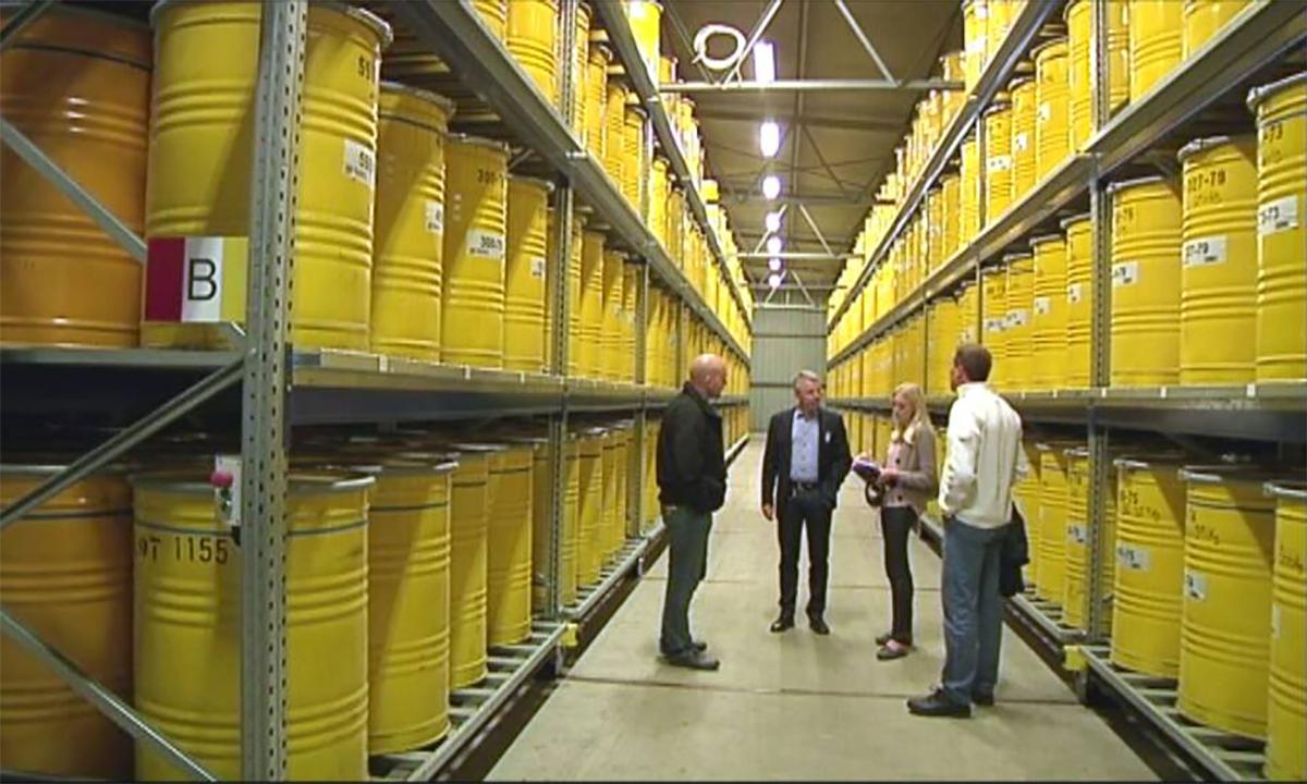 Các thùng chứa chất thải hạt nhân được cất trong một nhà kho ở thị trấn  Forsmark của Thụy Điển ngày 16/5. Ảnh: SVT.