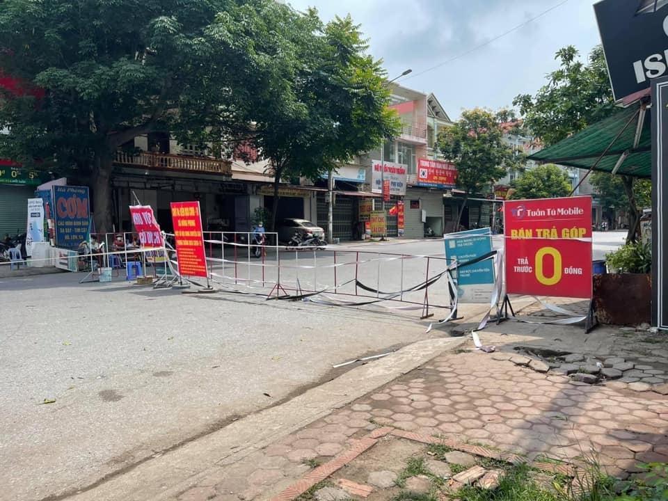 Chốt cách ly tại xã Đông Phong. Ảnh: Nguyễn Linh