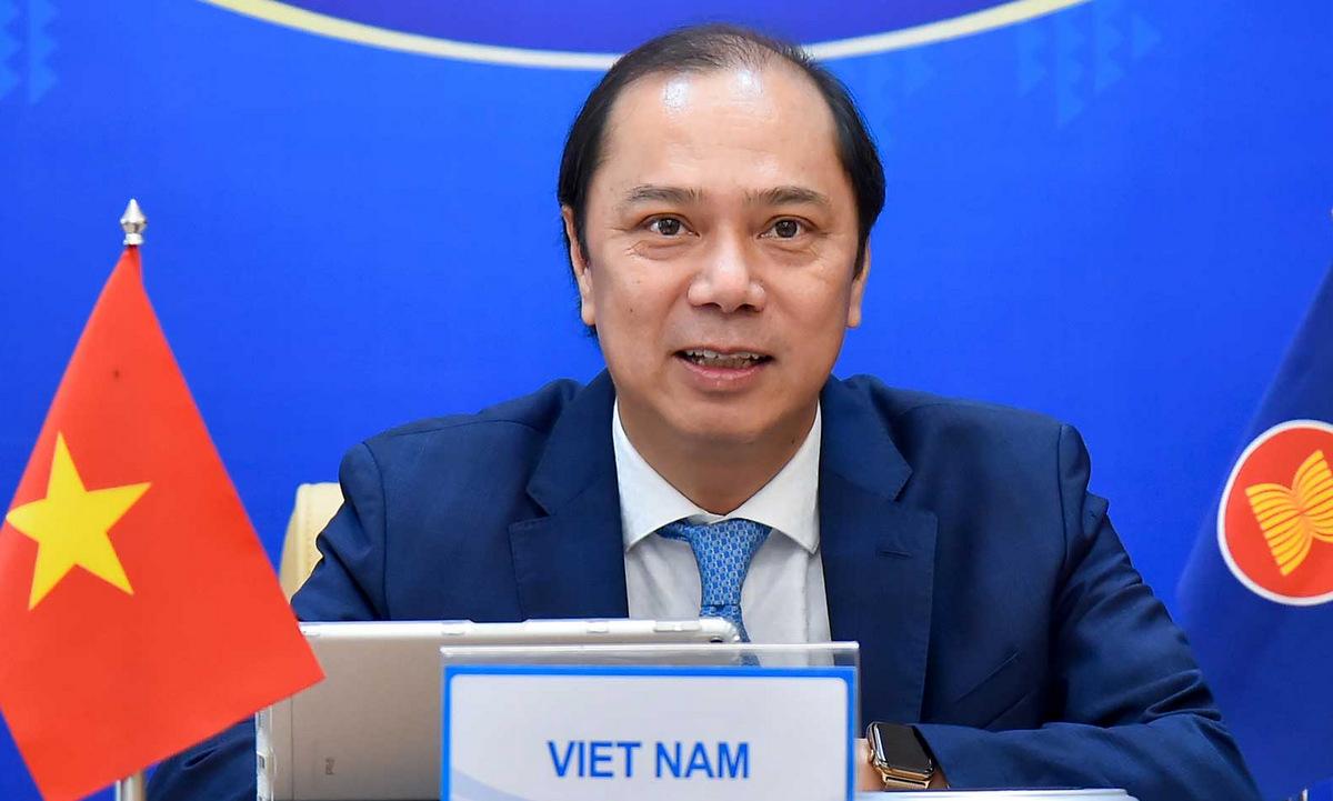 Thứ trưởng Nguyễn Quốc Dũng trong cuộc tham vấn hôm 18/5. Ảnh: BNG.