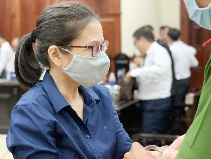 Bà Oanh trong lần ra tòa hồi tháng 4. Ảnh:Dương Trang.