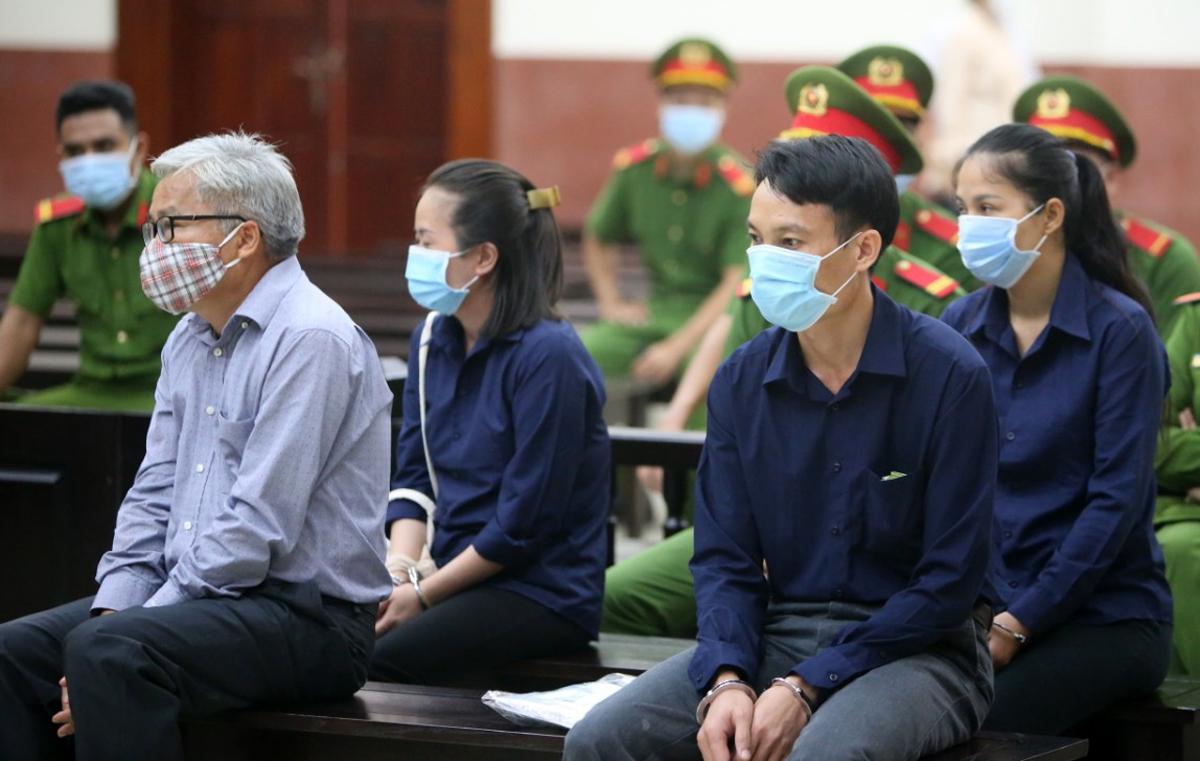 Các bị cáo khác tại phiên phúc thẩm hôm nay. Ảnh: Cộng tác viên.