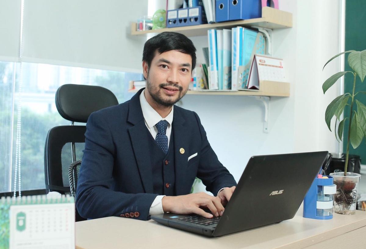 Thầy Nguyễn Thành Công, giáo viên môn Sinh học, trường THPT chuyên Đại học Sư phạm Hà Nội. Ảnh: Nhân vật cung cấp