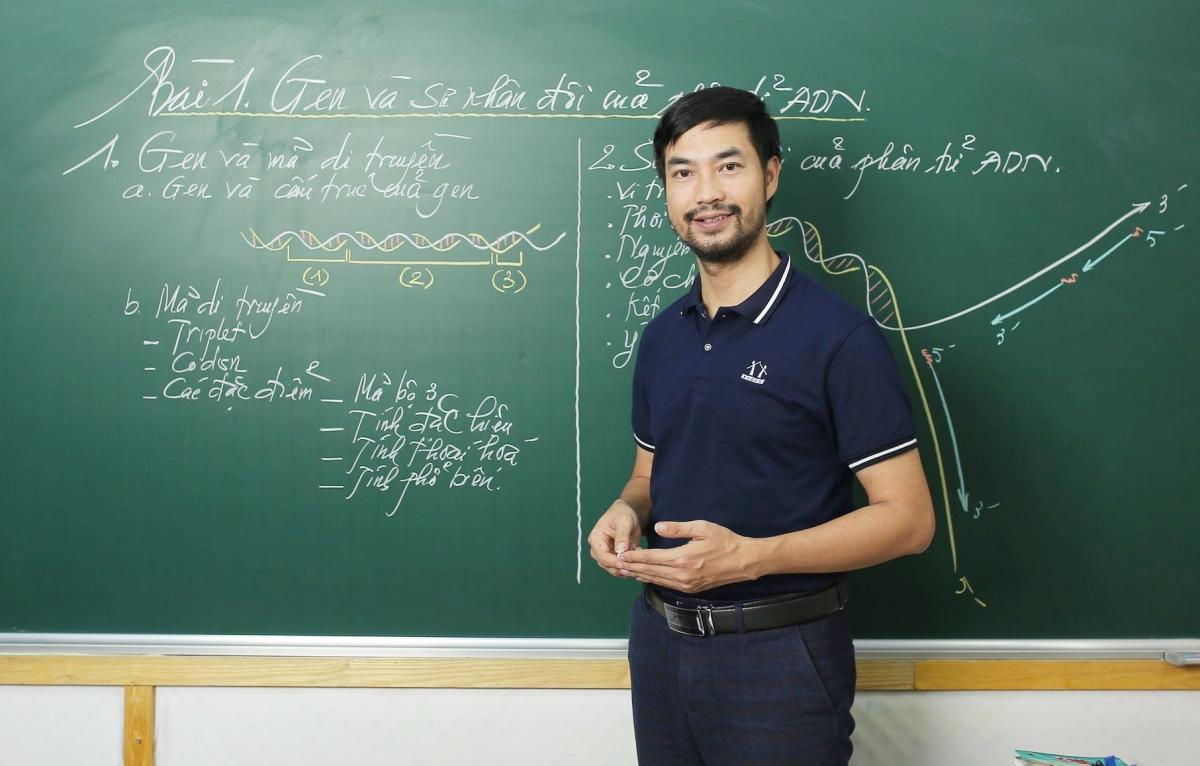 Thầy Nguyễn Thành Công, giáo viên môn Sinh, trường THPT chuyên Đại học Sư phạm Hà Nội. Ảnh: Nhân vật cung cấp