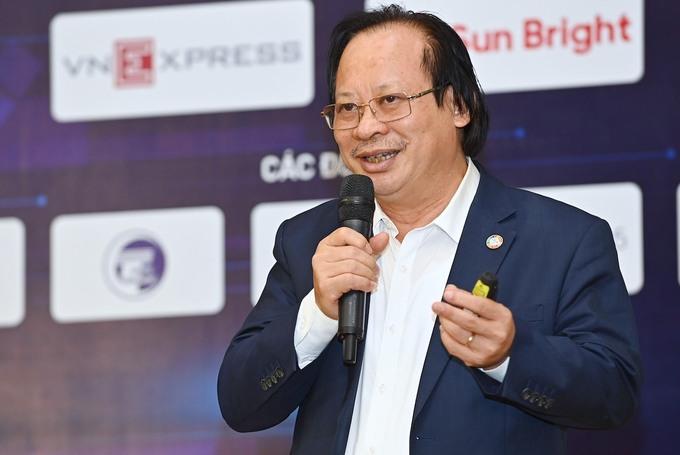PGS. TS Nguyễn Viết Nhung, Giám đốc Bệnh viện Phổi Trung ương. Anh: Giang Huy