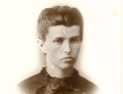Emma Snodgrass nhiều lần bị bắt vì không mặc váy như phụ nữ cùng thời. Ảnh: History of yesterday