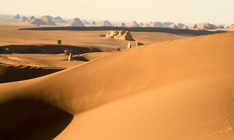 Sa mạc Lut ở Iran. Ảnh: Science Magazine.