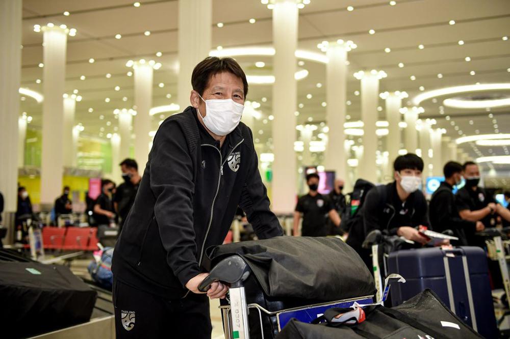 Pelatih Akira Nishino dan tim Thailand pindah ke UEA hari ini, 22 Mei.