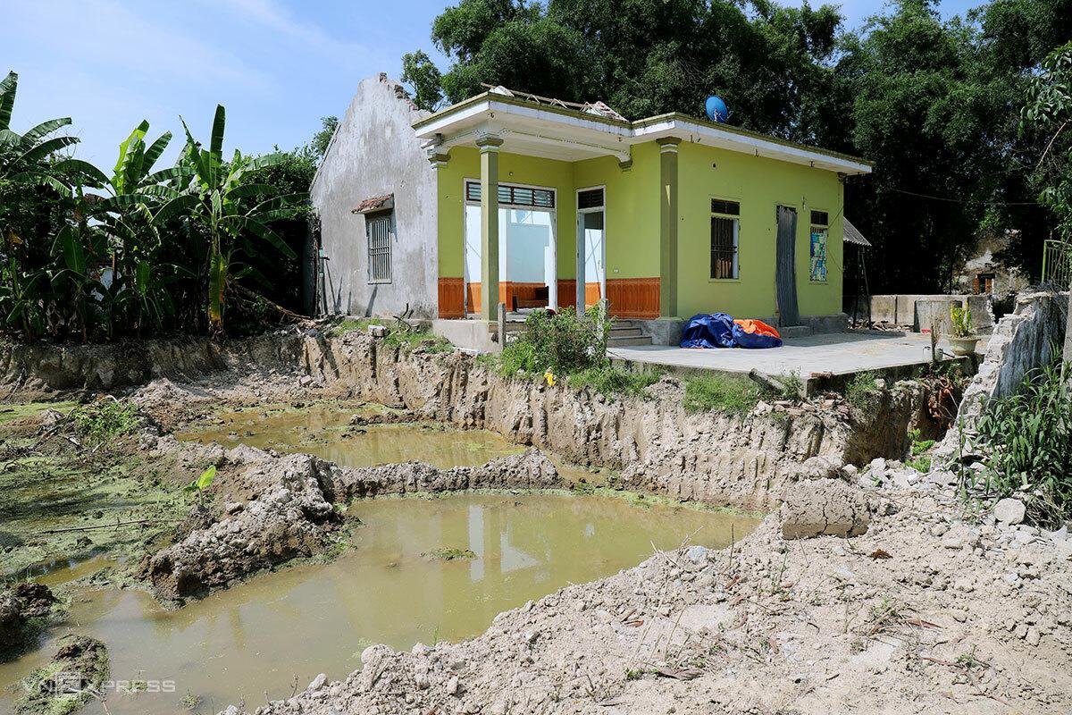Nhà của một hộ dân ở xã Yên Hồ, huyện Đức Thọ được đập bỏ để nhường đất cho cao tốc Diễn Châu - Bãi Vọt. Ảnh: Đức Hùng
