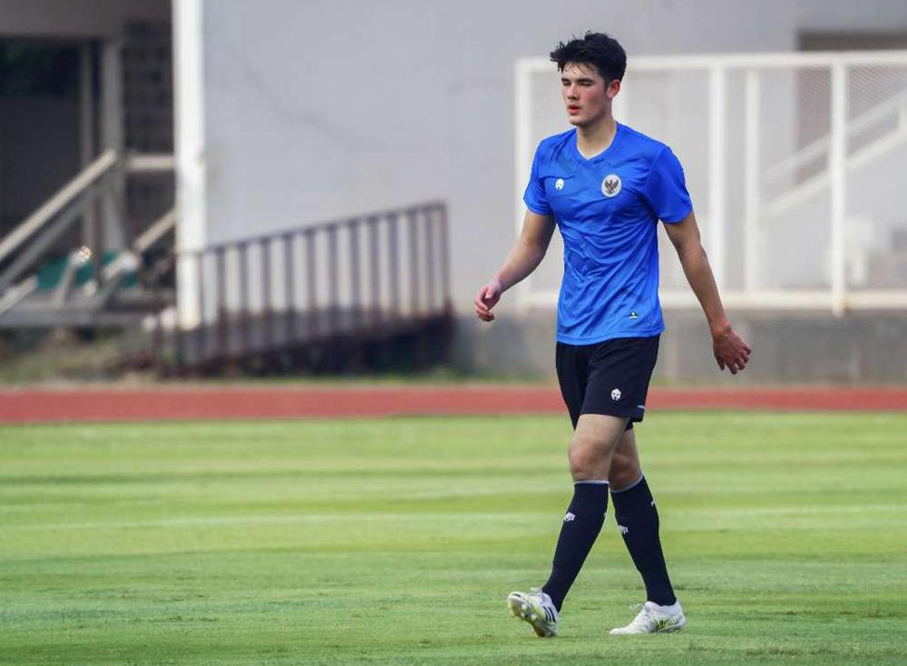 Elkan Baggott mới 18 tuổi nhưng đã có suất trong đội tuyển Indonesia.