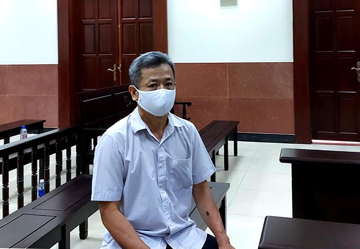 Cựu bí thư thị xã Bến Cát tại phiên tòa phúc thẩm. Ảnh: Hải Duyên.