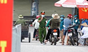 Bốn chốt kiểm soát khu vực giáp tâm dịch Bắc Giang, Bắc Ninh