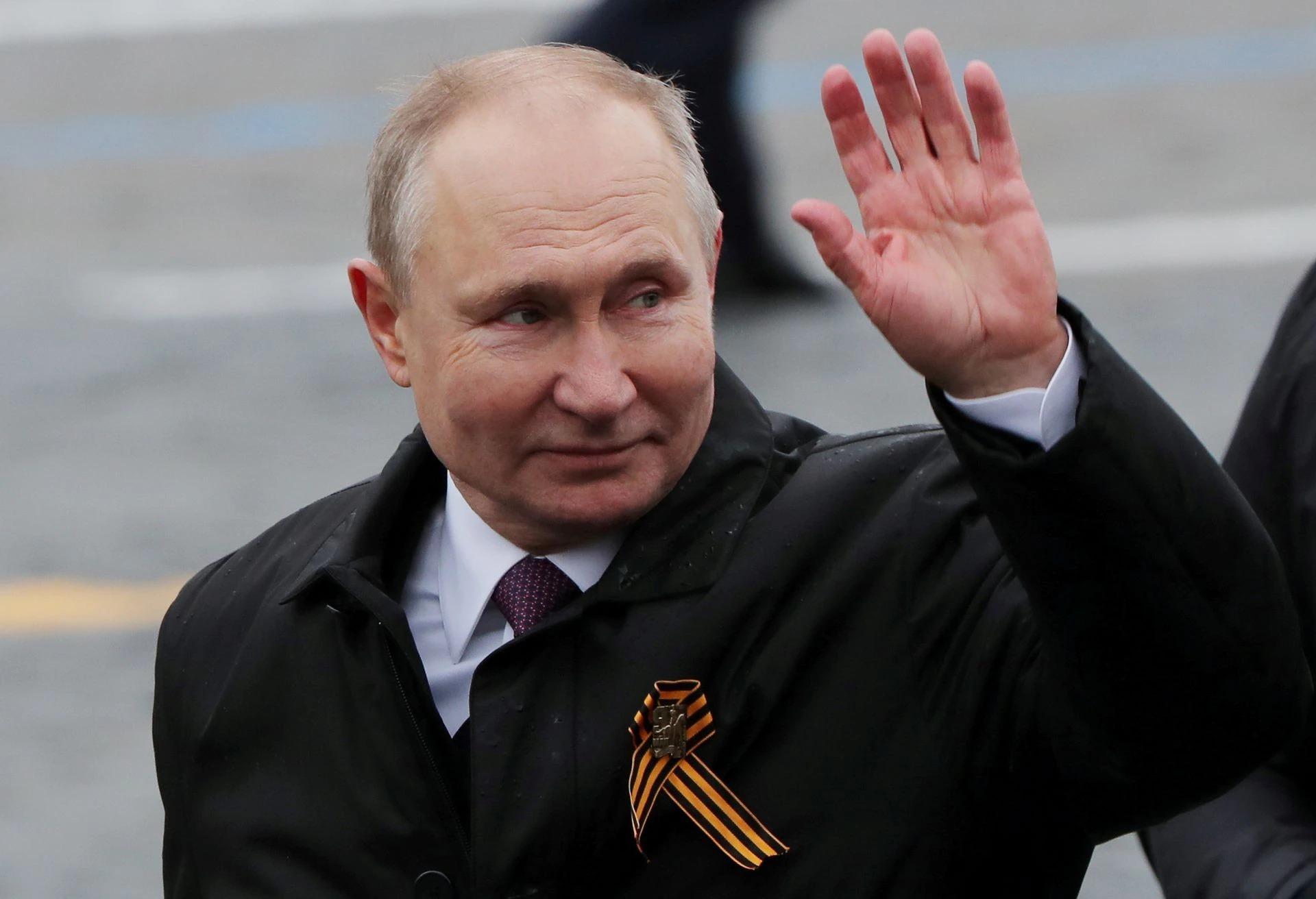 Tổng thống Putin tại Moskva ngày 9/5. Ảnh: Reuters.