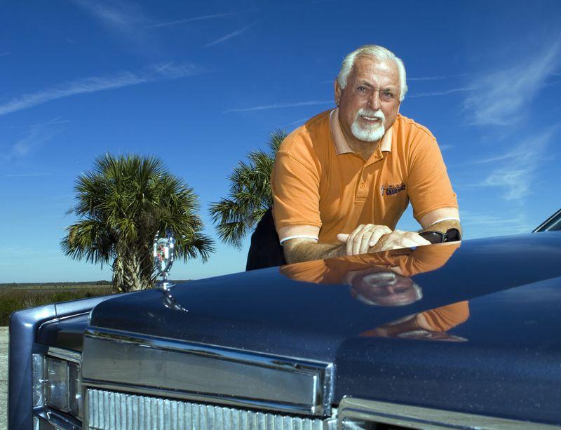 Jack Murphy bên chiếc Cadillac của anh ta, năm 2006. Ảnh: AP