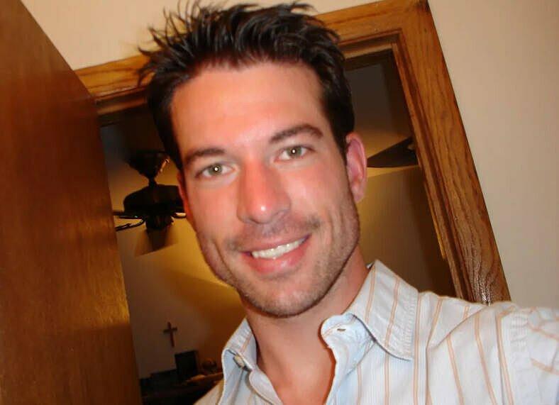 Brian Shaffer trong một bức ảnh tự chụp, vài ngày trươc vụ mất tích. Ảnh: 10tv.com