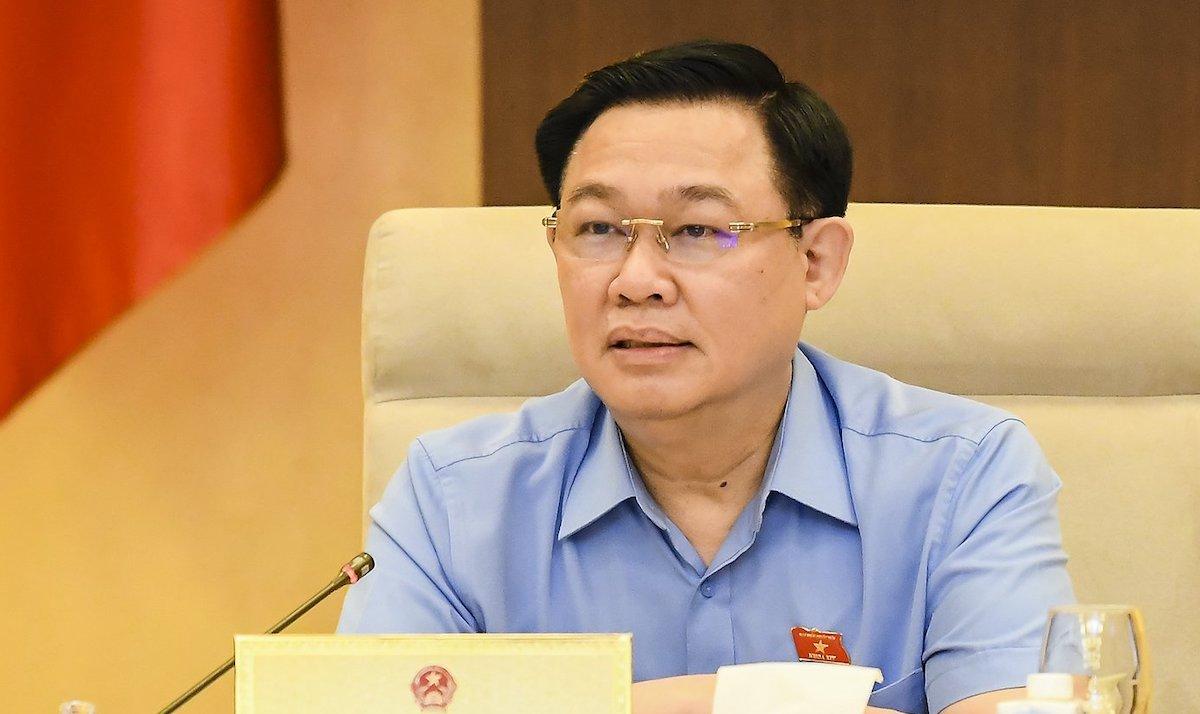 Chủ tịch Quốc hội Vương Đình Huệ phát biểu tại cuộc họp Thường vụ Quốc hội ngày 27/5. Ảnh: Hoàng Phong