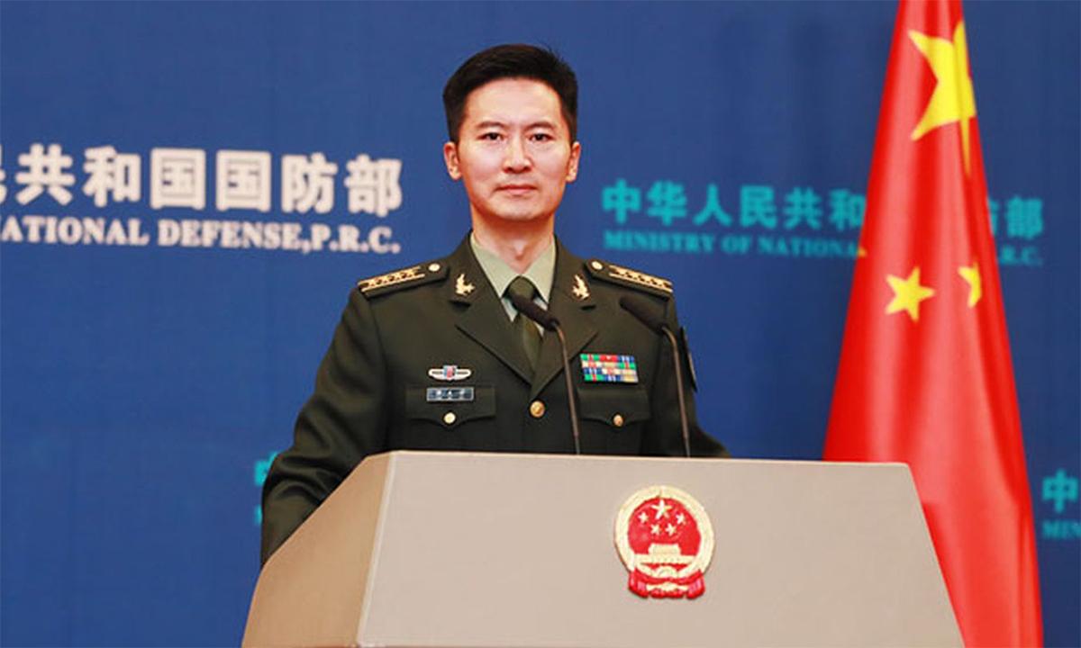 Đại tá Đàm Khắc Phi, phát ngôn viên Bộ Quốc phòng Trung Quốc, trong một cuộc họp báo ở Bắc Kinh tháng 12/2020. Ảnh: BQP Trung Quốc.