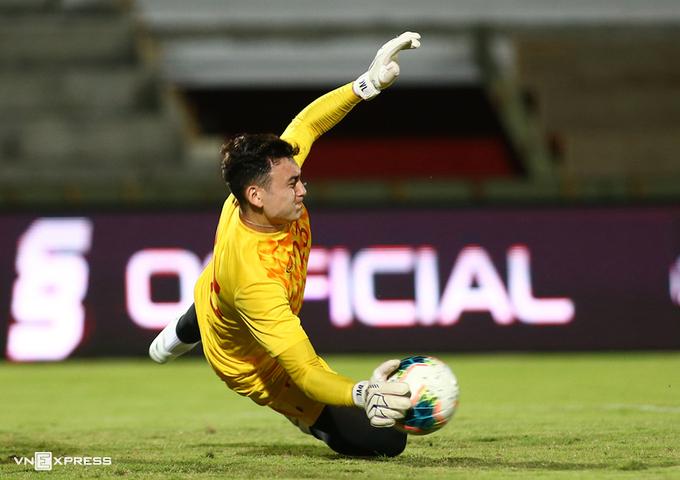 Dang Van Lam tidak menghadiri kualifikasi Piala Dunia 2022 untuk memastikan keamanan tim melawan Covid-19.  Foto: Lam Thoa.