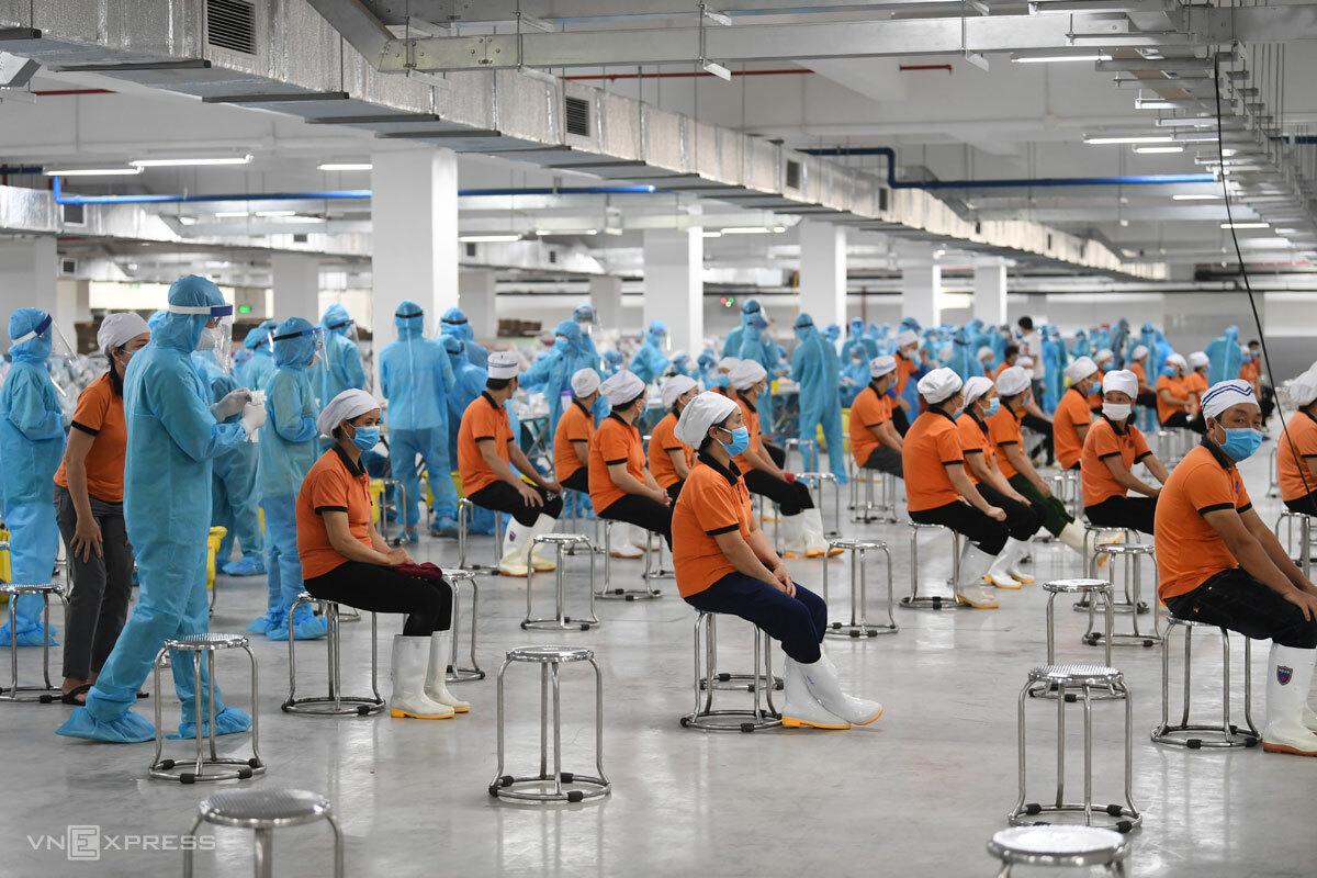 Hơn 5.000 công nhân ở Bắc Giang đi làm lại
