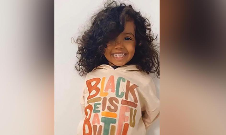 Kashe Quest, bé gái 2 tuổi , vừa gia nhập tổ chức Mensa. Ảnh: CNN.