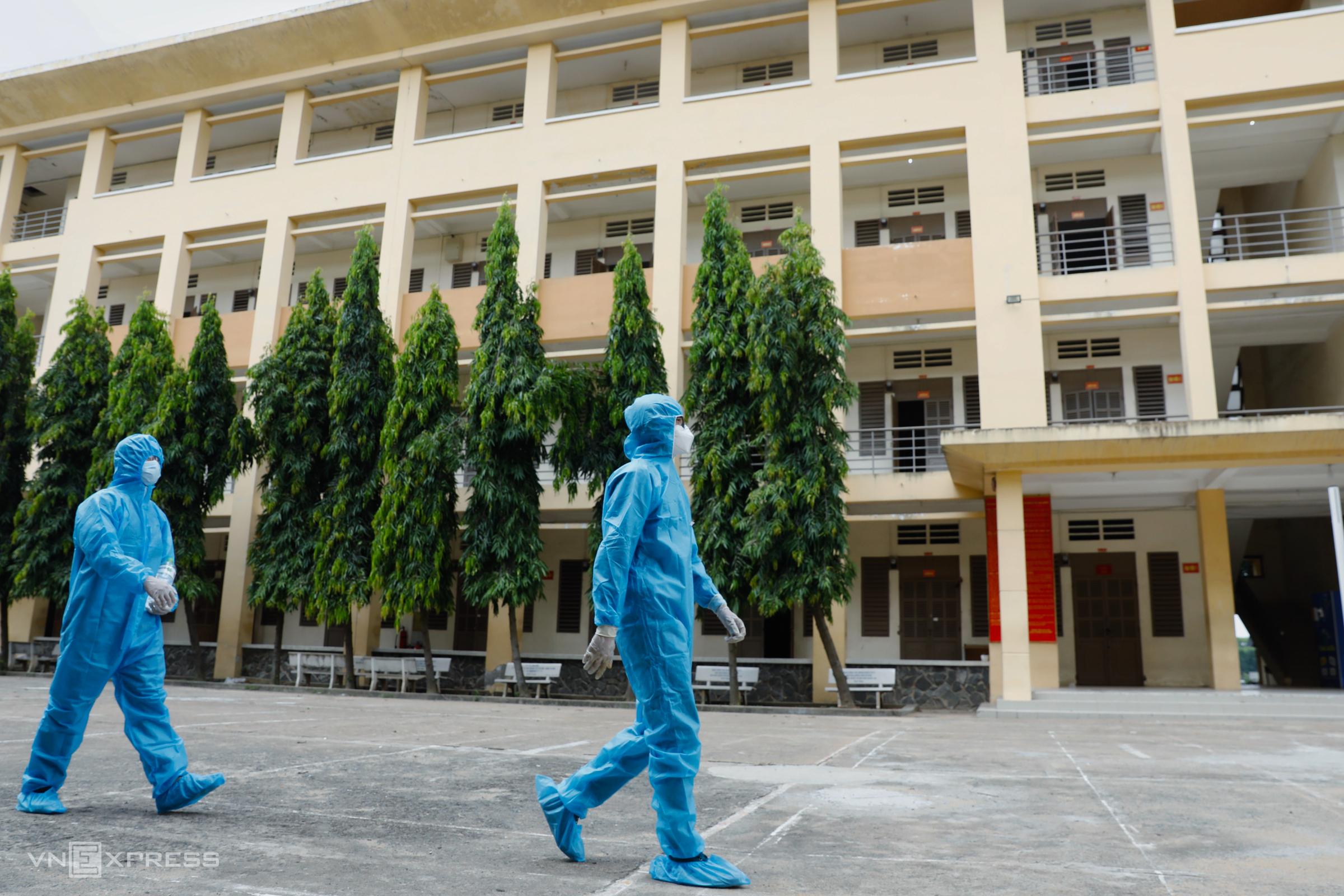 Khu cách ly đặt tại Trung tâm Giáo dục Quốc phòng - An ninh (Đại học Quốc gia TP HCM) tiếp nhận những trường hợp liên quan chuỗi lây nhiễm Hội thánh Truyền giáo Phục hưng. Ảnh: Hữu Khoa.