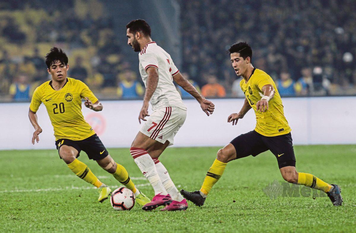 Brendan Gan (kanan) bermain 90 menit penuh saat Malaysia kalah 1-2 dari UEA di kandang Bukit Jalil pada 10 September 2019.  Foto: Metro