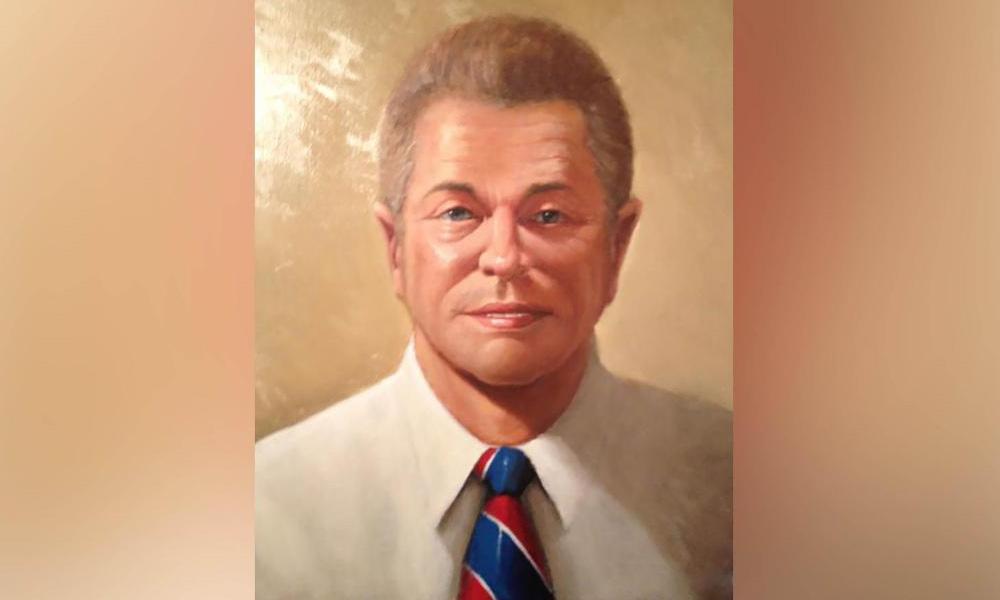 Bức chân dung Mister Somerton được treo ở phòng chơi tại nhà vợ chồng Derek Abbot tại Adelaide, Australia. Ảnh: CNN.