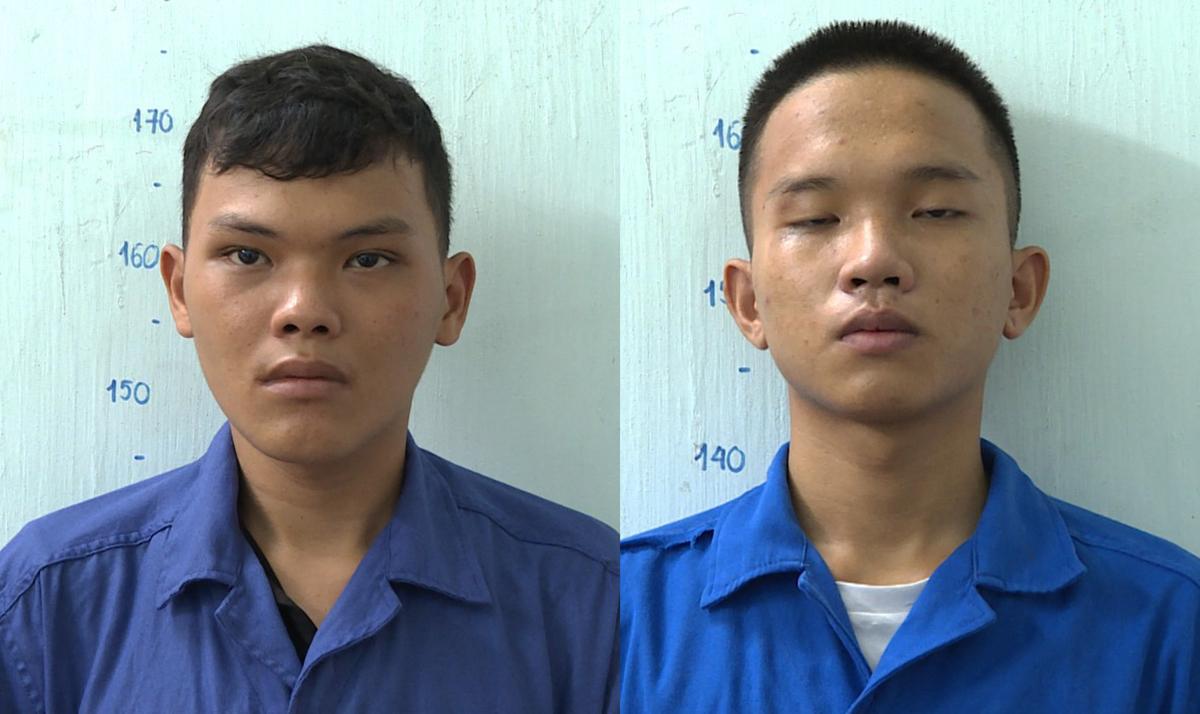 Phát (trái) và Nhân tại Công an TP Bà Rịa. Ảnh: Quang Bình.