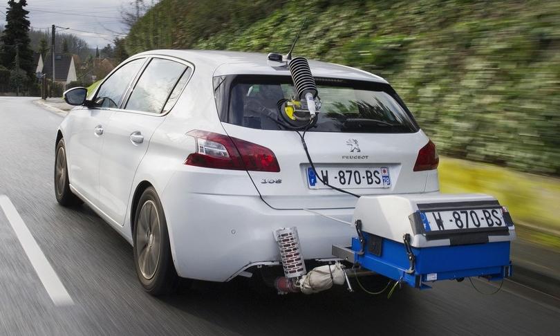 Một mẫu xe động cơ đốt trong lắp hệ thống đo lường khí thải.