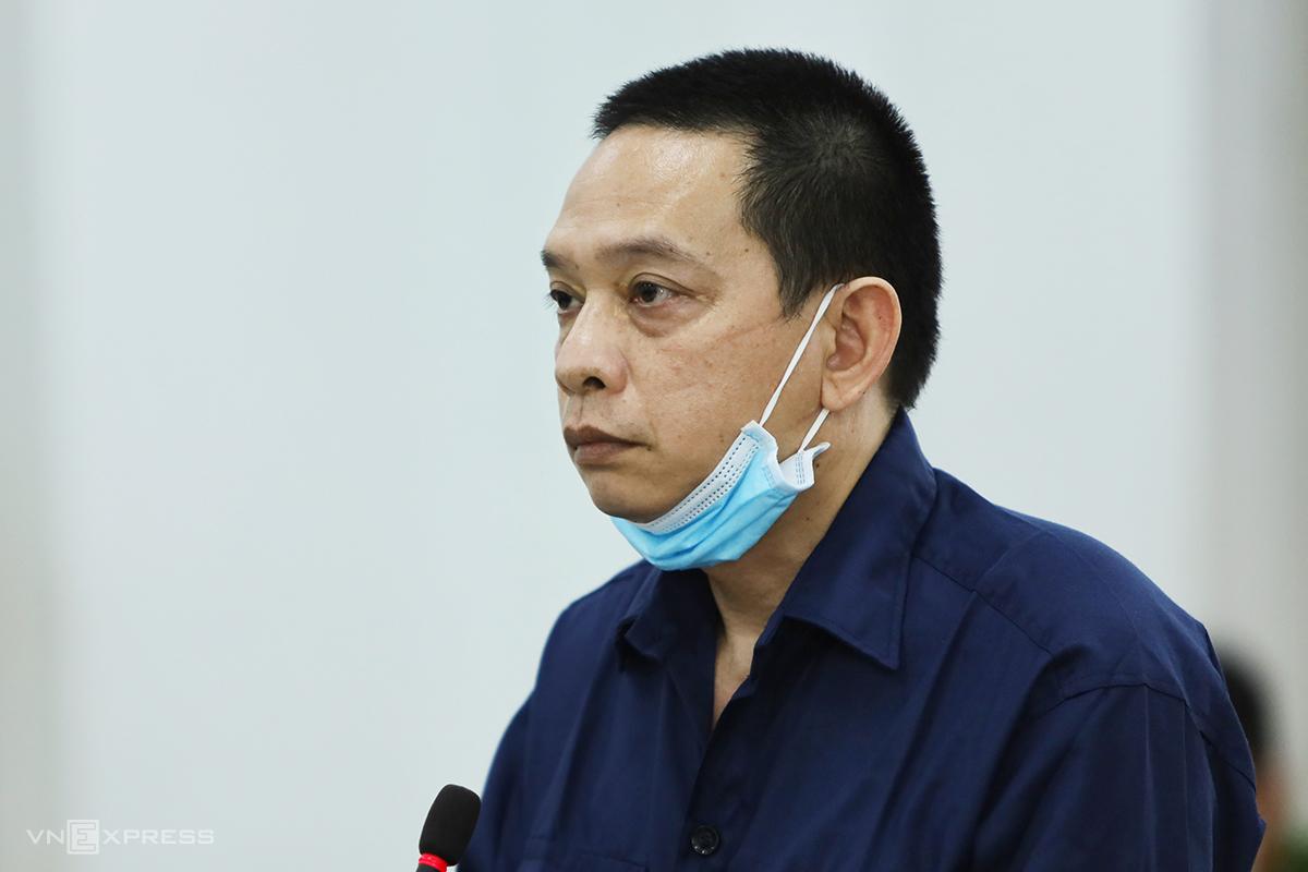 Nguyễn Việt Hùng tại phiên tòa diễn ra hôm 31/5. Ảnh: Xuân Ngọc.