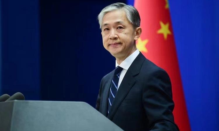 Phát ngôn viên Bộ Ngoại giao Trung Quốc Uông Văn Bân tại cuộc họp báo ở Bắc Kinh hôm 31/5. Ảnh: Bộ Ngoại giao Trung Quốc.