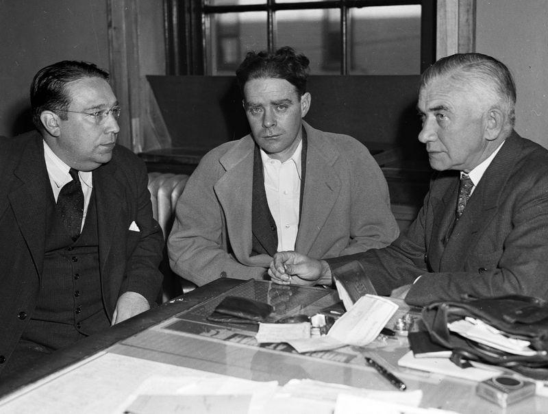 James Mallon (ở giữa). Ảnh: New York Daily News