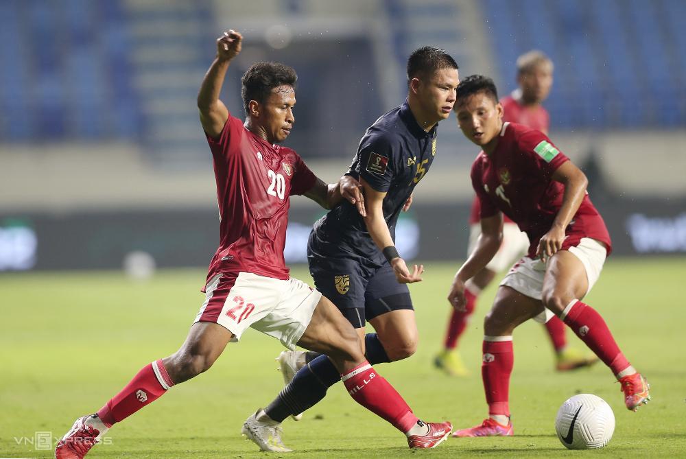 Indonesia chơi lăn xả, khiến Thái Lan phải chia điểm trong trận đấu tại Dubai ngày 3/6. Ảnh: Lâm Thoả