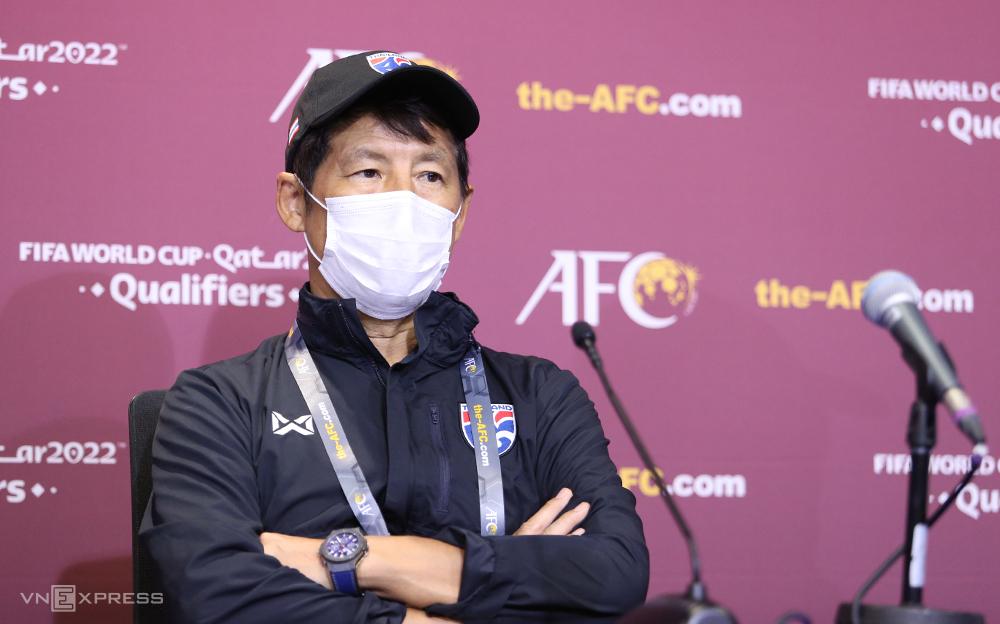Pelatih Nishino kecewa dengan hanya satu poin dalam pertandingan melawan Indonesia.  Foto: Lam Thoa
