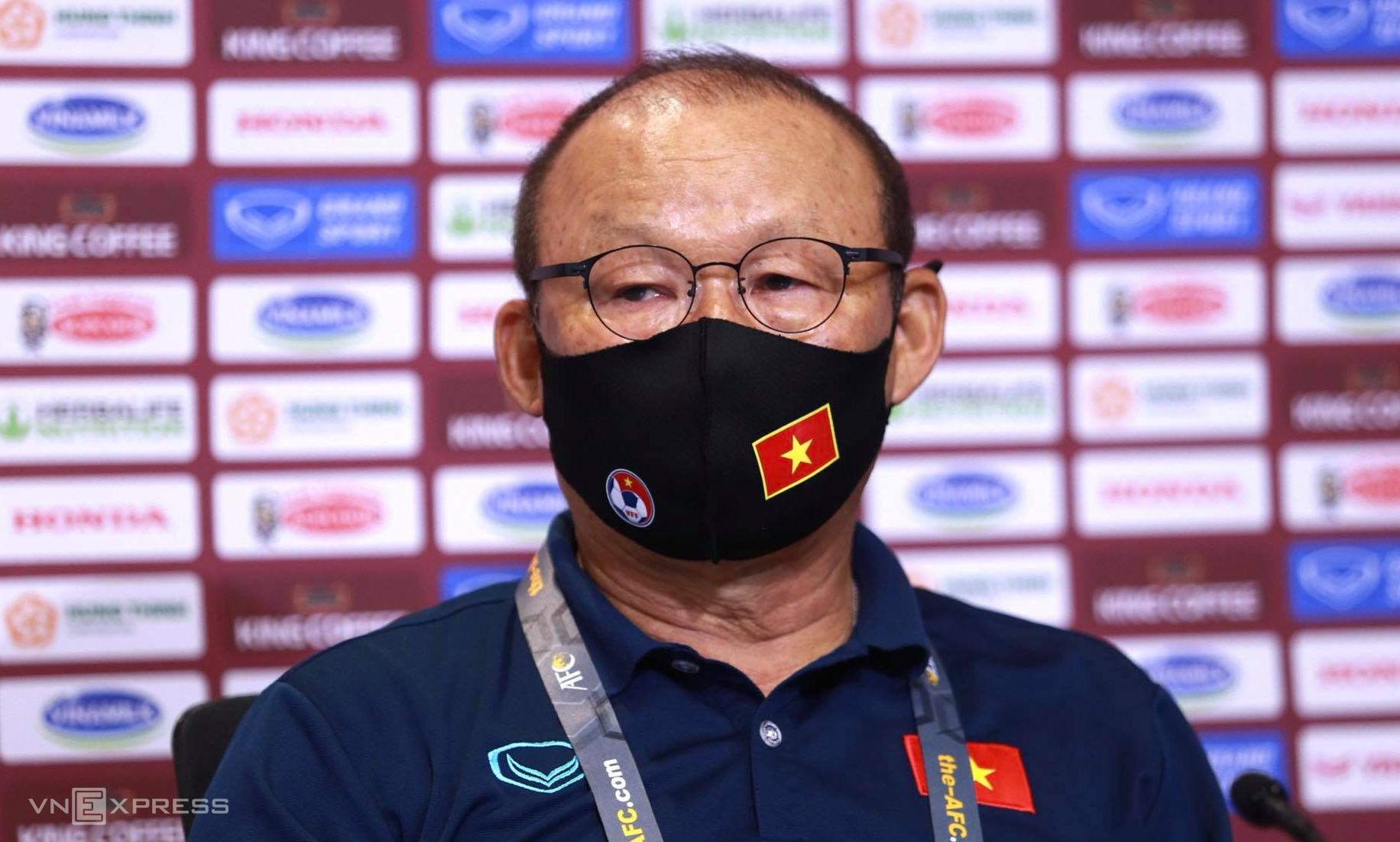 HLV Park có mặt tại cuộc họp báo năm sớm gần 10 phút so với thời gian do AFC quy định. Ảnh: Lâm Thoả